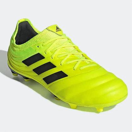 נעלי כדורגל אדידס מקצועיות בצבע צהוב - giantballs.co.il