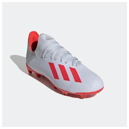 נעלי כדורגל של אדידס עם פקקים בצבע לבן - giantballs.co.il