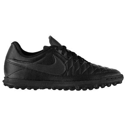נעלי כדורגל שחורות של נייק לקט רגל - giantballs.co.il