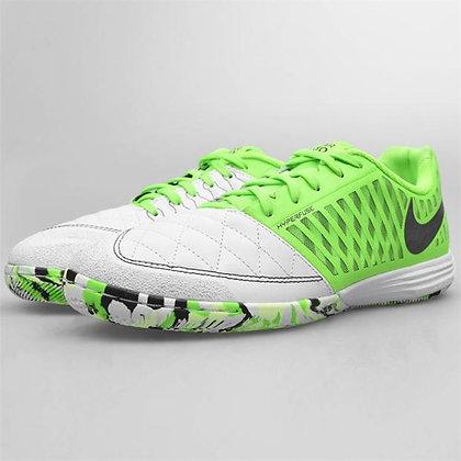 נעלי כדורגל סוליה שטוחה נייק | Lunar Gato II IC IndoorCourt - ענק הכדורגל