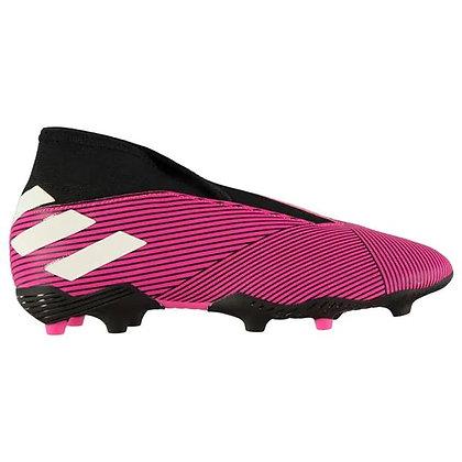 נעלי כדורגל עם פקקים של אדידס בצבע ורוד - giantballs.co.il