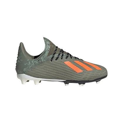 נעלי כדורגל מקצועיות של אדידס לילדים - giantballs.co.il