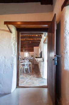 phizante-kraal---restaurant-doorway-#1.j