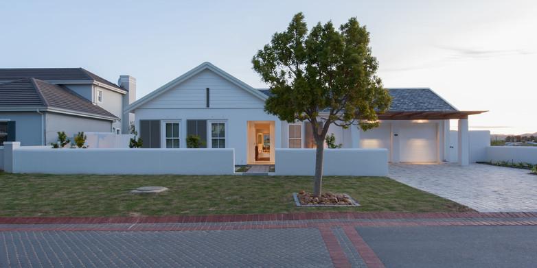 House Le Roux - exterior #11.jpg