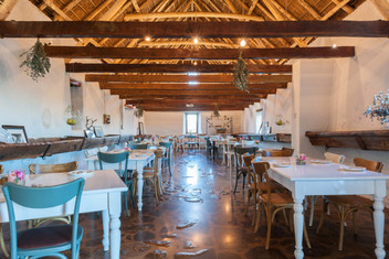 phizante-kraal---restaurant-interior-#1.