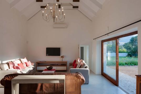 Winemakers house - living room #2.jpg