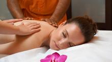 Le massage à 4 mains pour expérimenter le plaisir plus intensément