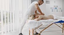 Quel salon de massage naturiste paris choisir pour sa détente en couple ?