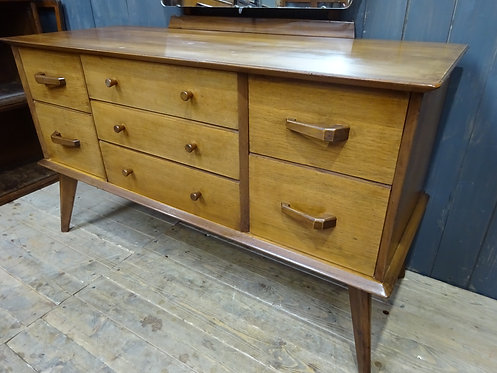 mid century, mcm, vintage, sideboard, dressing table, home decor, furniture for my home, cool items, #midcenturydressingtable