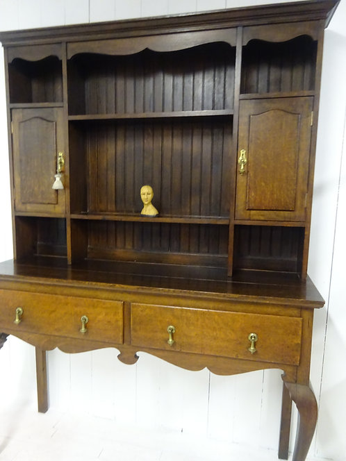 elegant oak welsh dresser, storage, Victorian house, Victorian home furniture, fine antiques for your home, uk delivery, oak