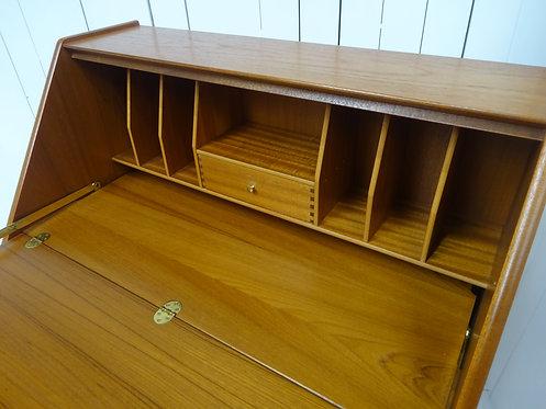 mid century modern, #midcenturyparkerknoll, #vintageparkerknoll, vintage furniture, #workingfromhome, #officedesk, teak,