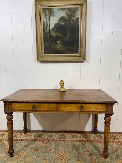 George V oak desk with stunning patina, two front drawers, turned and carved legs, lovely patina, ideal for home office, desk
