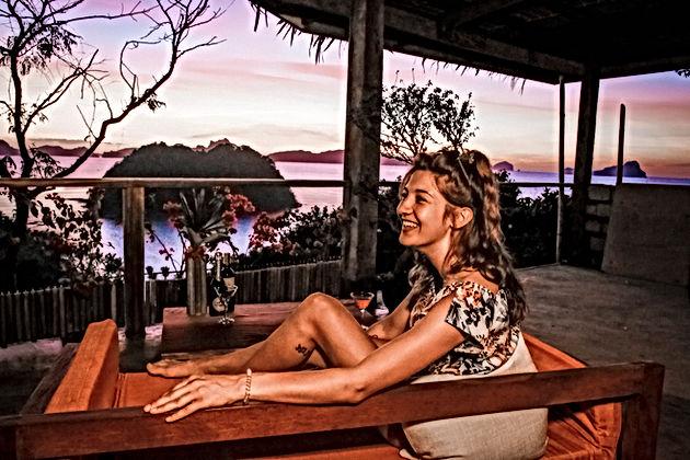 Lexias hostel el nido Nina sunset bar