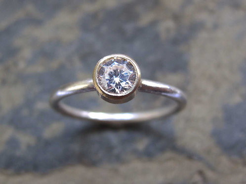 diamond gold engagement ring