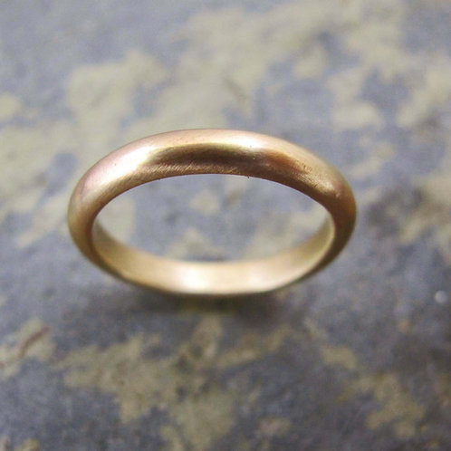 Men's D section gold band ring