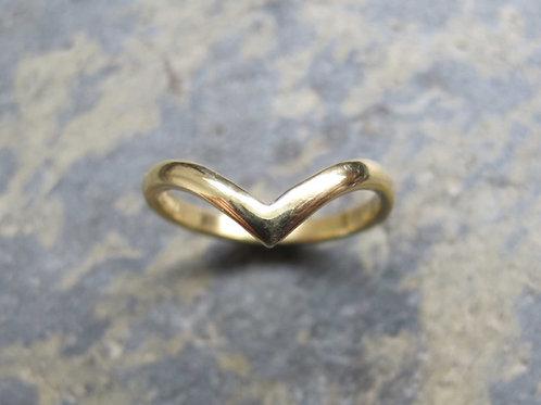 Wishbone shaped gold ring