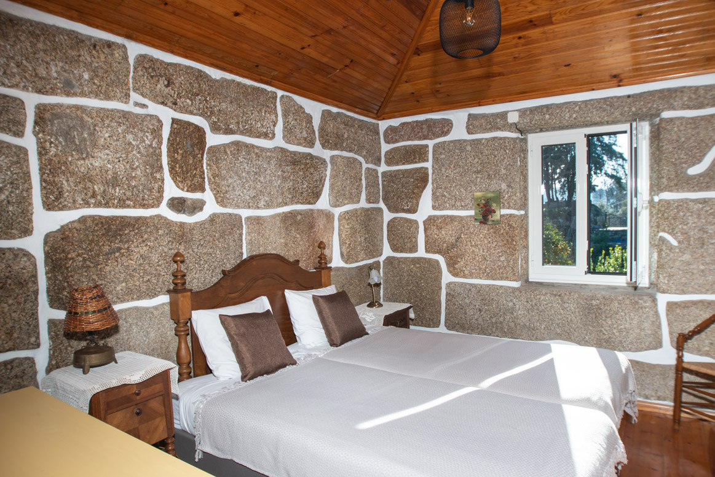quintadoMirante_chambre_granite-2976.jpg