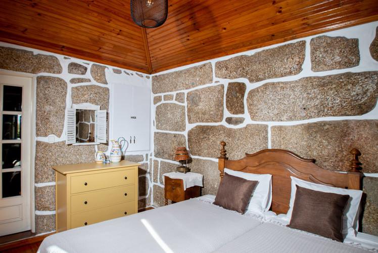 quintadoMirante_chambre_granite-2983.jpg