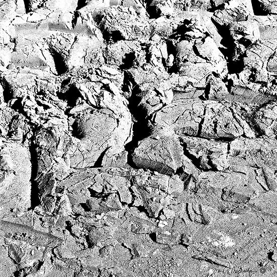 Mud Bog Crevasse BW00044
