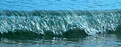 Horizontal with perfect wave break