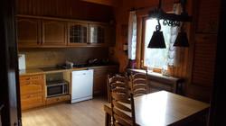 keuken met vaatwasser en oven