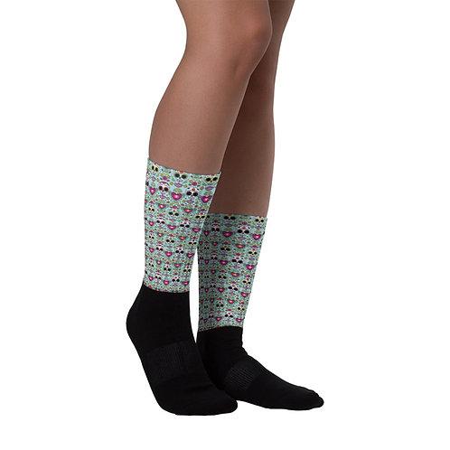 Calaveras y Corazons Socks