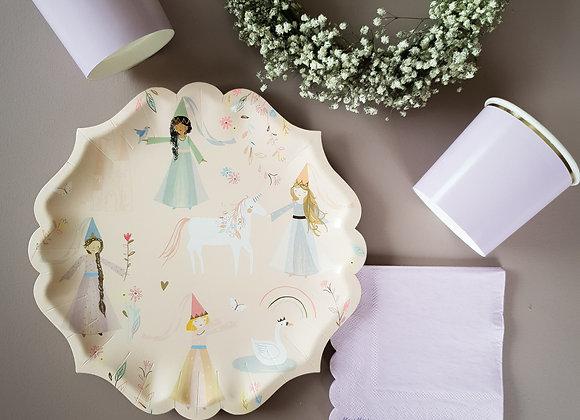 Papperstallrikar prinsessor