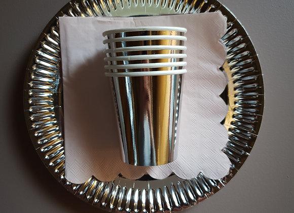 Papperstallrikar metallic silver