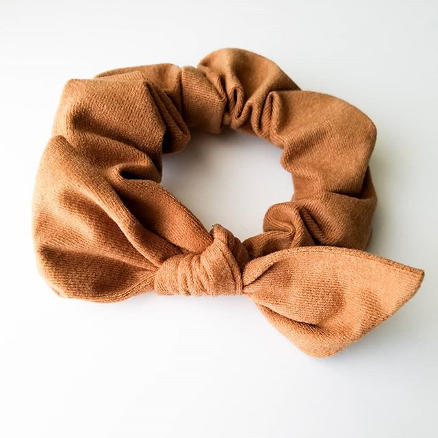 Caramel scrunchie
