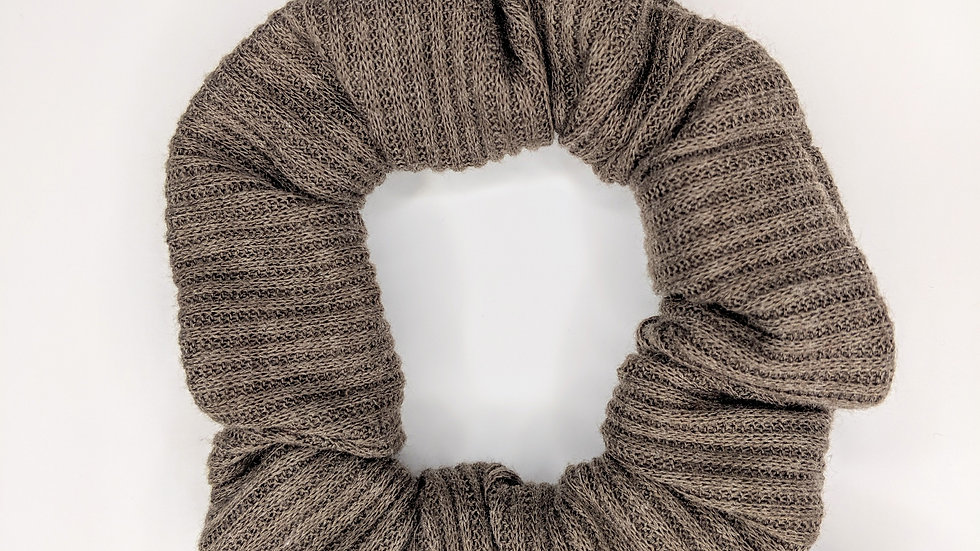 Coffee rib knit scrunchie