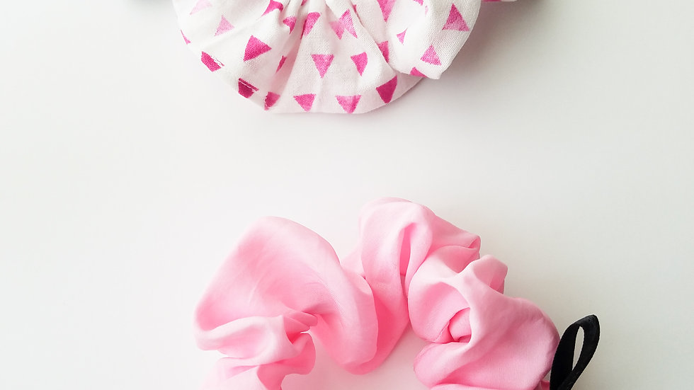 Pink scrunchie & White with pink details