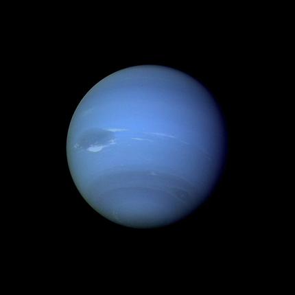 """Auch Neptun ist gewandert - Der Eisplanet wechselte seinen Orbit und brachte """"Fremdlinge"""""""