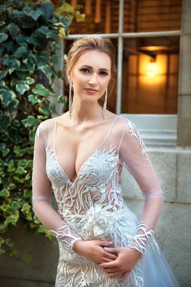 Victoria - Essence of Elegance