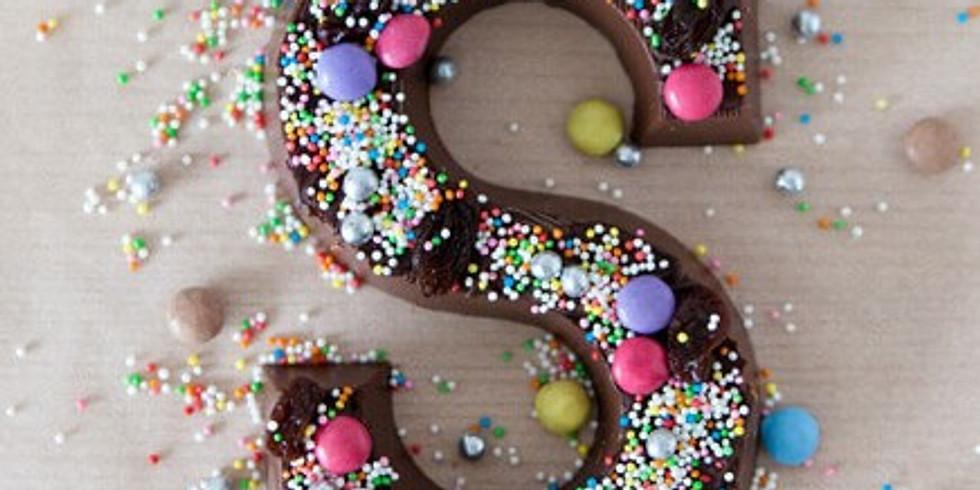 Chocoladeletter versieren