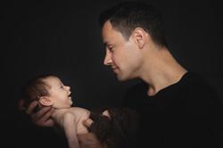 Newborn Foto mit Papa Riedenburg