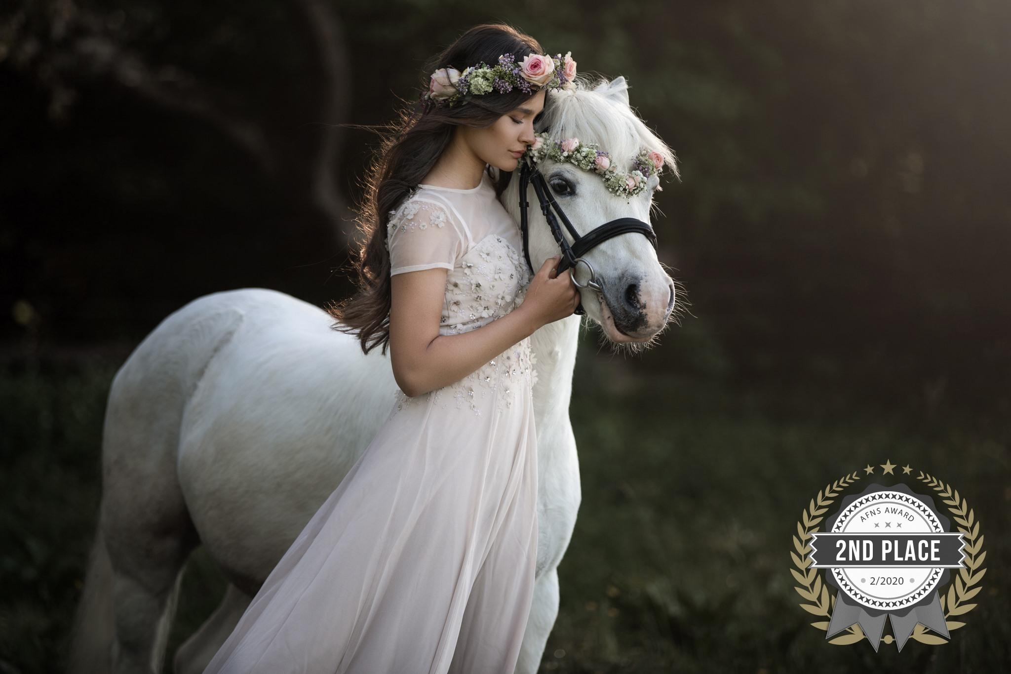 Ponyfoto mit Mädchen