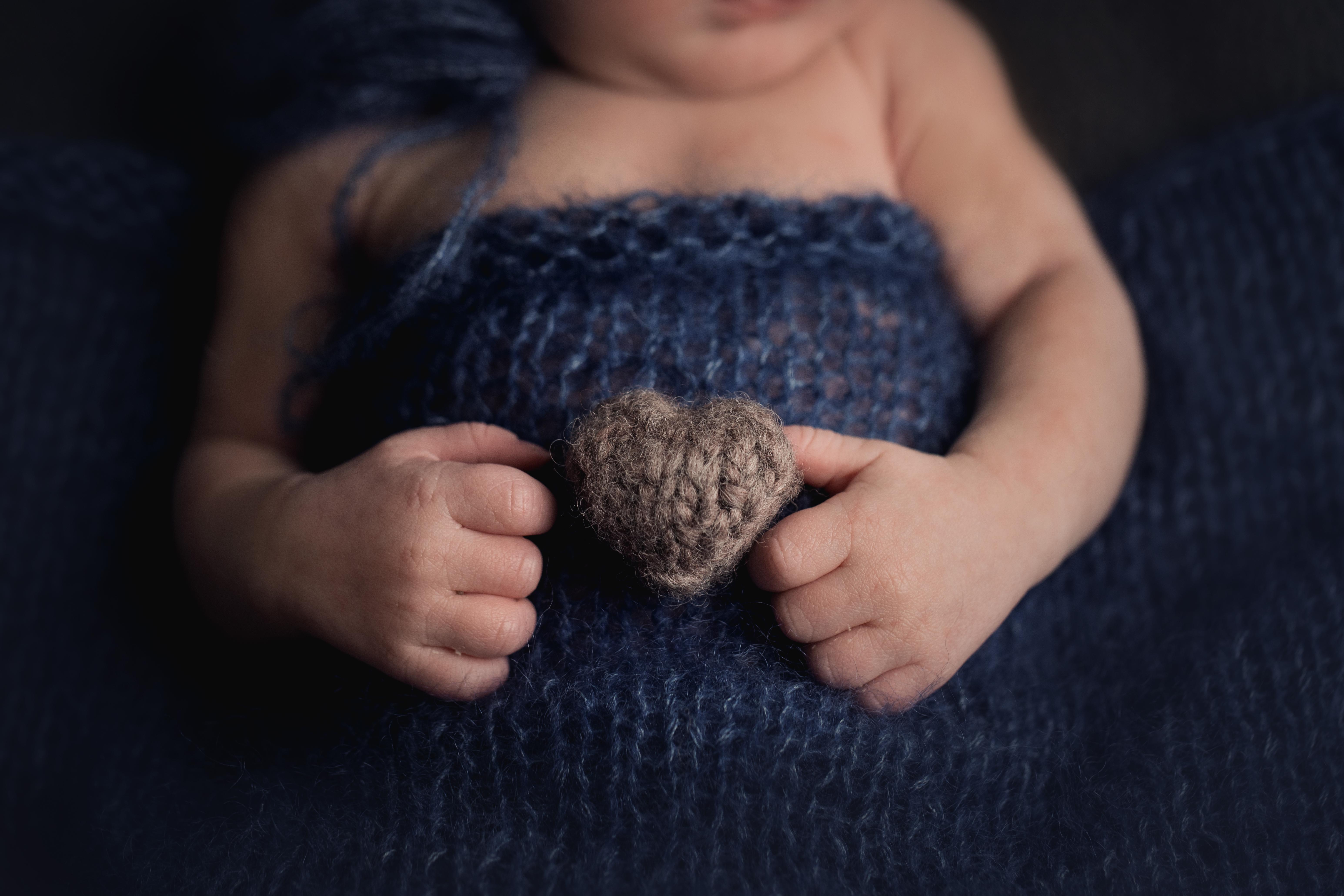 Herzfotografie Newborn