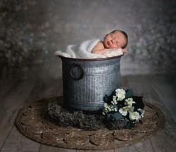 Baby Foto im Zinkeimer