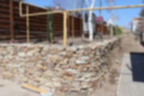 Подпорная стена из бутового камня
