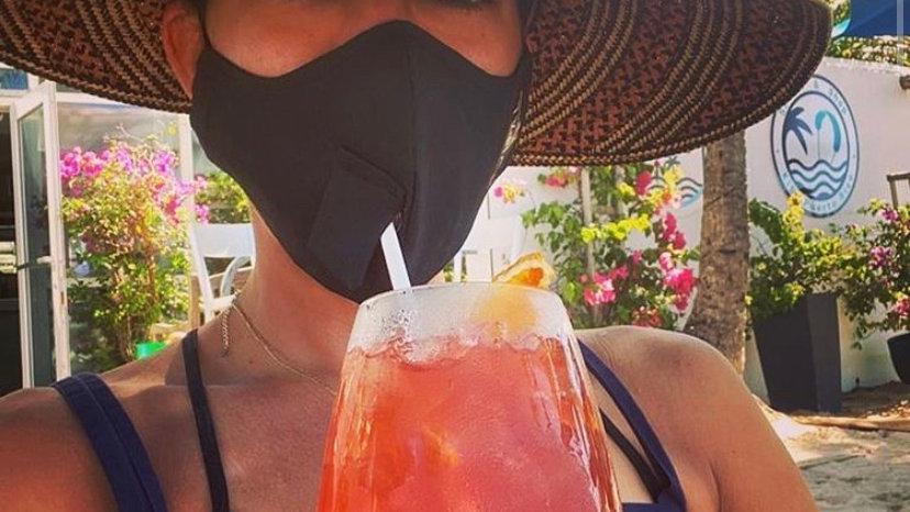 mascarilla sorbetera | straw-compatible mask