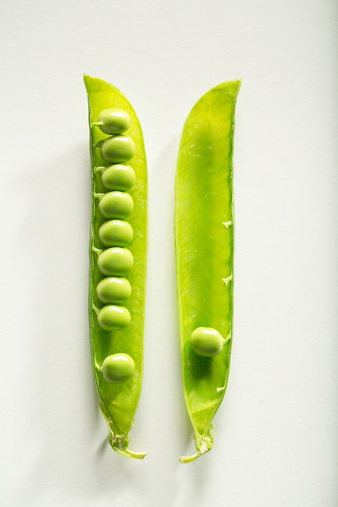 green-peapods-1437587.jpg