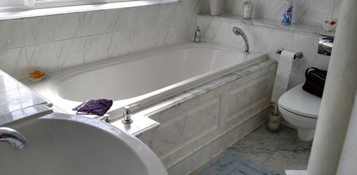 Faux marble bathroom decor