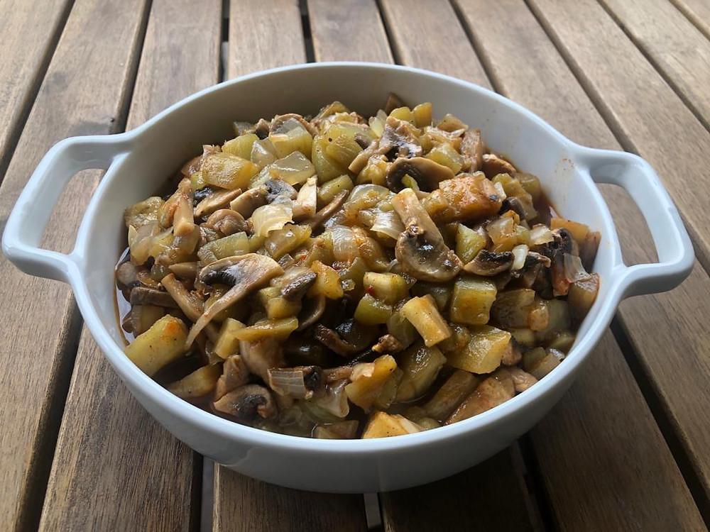 תבשיל פיטריות וחצילים