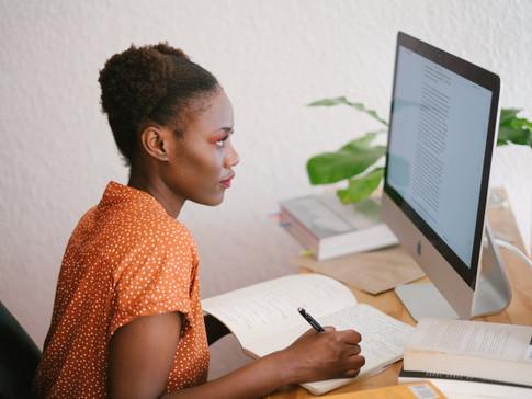 Precisando de coragem pra escrever no LinkedIn? Leia essas 10 dicas