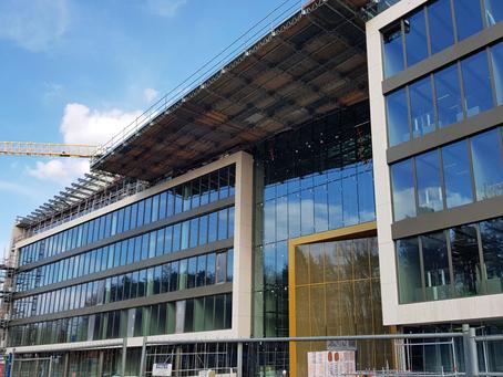Mise en peinture du siège de Ferrero à Luxembourg