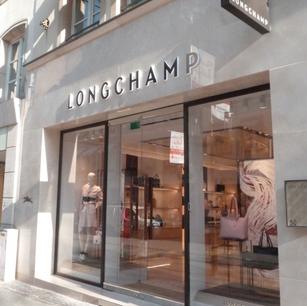Élégance à la française pour la peinture de la boutique Longchamp, Luxembourg