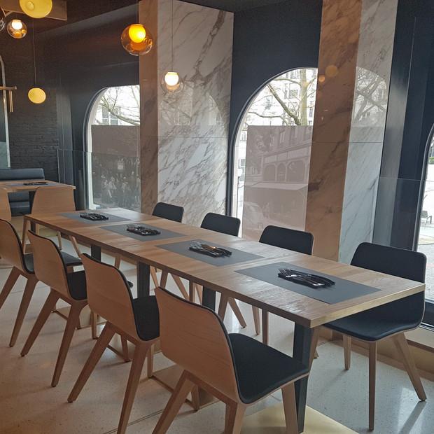 Décoration entre modernité et tradition pour Le Grand Café, votre RedBeef préféré, place d'Armes, Luxembourg