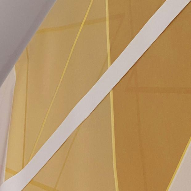 Pose d'un papier-peint géométrique sur-mesure