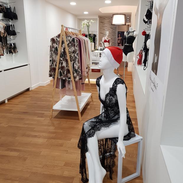 Raffinement et élégance dans une boutique de lingerie, Luxembourg
