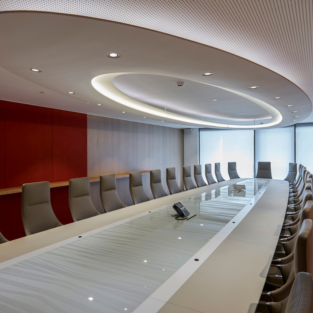 Plafond en stuc pour le bureau d'une banque